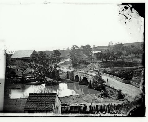 Antietam bridge, looking across stream. Sept. 1862. Gardner, Alexander, 1821-1882, photographer.