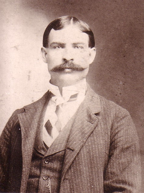 Dr. George Hill Folsom lived in Ray City, GA in the late 1920s and early 1930s.