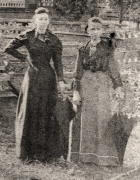 Harriet Swindle and sister, Martha Ada Swindle, image detail from a photo taken in