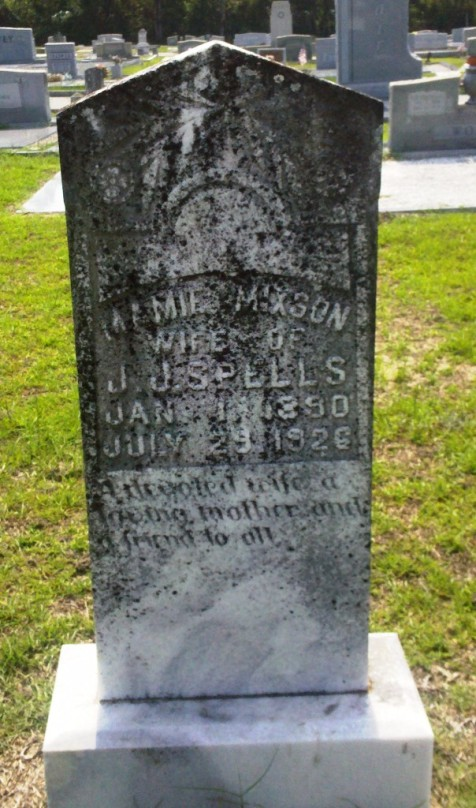 "Mary Lee ""Mamie"" Mixon Spells, Wife of J.J. Spells, January 1, 1890 -  July 29, 1926, Beaver Dam Cemetery, Ray City, GA."