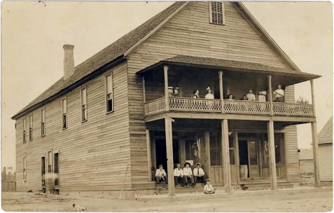 Rays Mill Hotel, circa 1912, Rays Mill, GA. Image courtesy of http://berriencountyga.com/