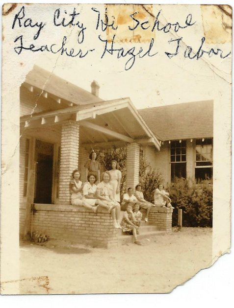 1939 Class Seniors, Ray City School. Miss Tabor, Teacher. Pictured are Annie Ruth Clements, Elizabeth Weaver, Mona Faye Swindle, D'Ree Yawn, Hazel Sirmans, Doris Forehand, and J.D. Carter.