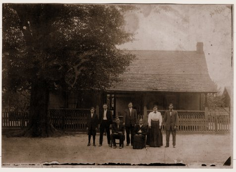 Family of William Henry Watson. (Left to Right) James Pleasent Watson, Mark Mitchell Watson, William Henry Watson, Samuel Solomon Watson, Dicy Guthrie Watson, Martha Watson Patten, Isaac Linton Watson. Image courtesy of http://berriencountyga.com/