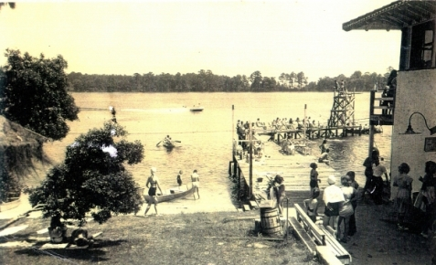 The Pier at Twin Lakes Resort Pavilion, Lake Park, GA. Image source: http://www.pinkstonrealty.com/galleries.php