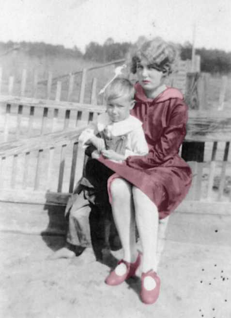 Bessie Gardner Johnson with brother, Maurice Johnson. Image courtesy of Julie Hutson.