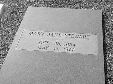 Grave of Mary Jane Gardner Stewart (1884-1977), Beaver Dam Cemetery, Ray City, Berrien County, GA.
