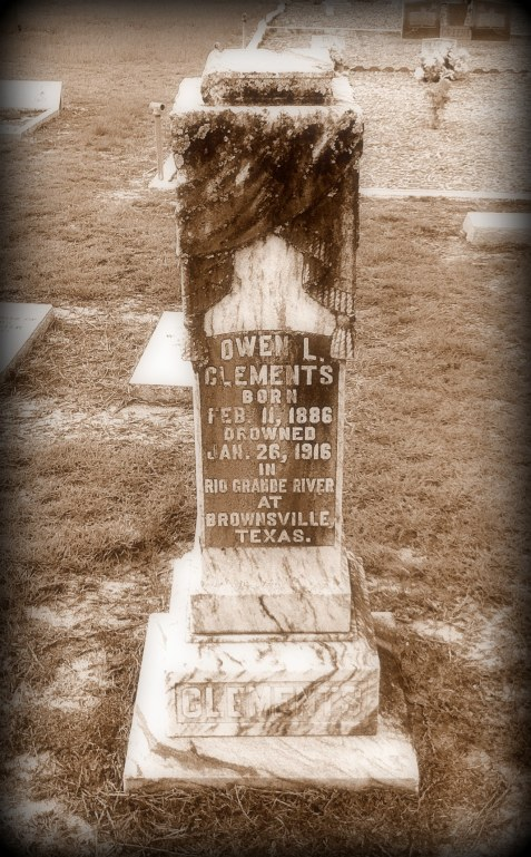 Gravemarker of Owen Leonard Clements (1886-1916), Cat Creek Cemetery, Lowndes County, GA.