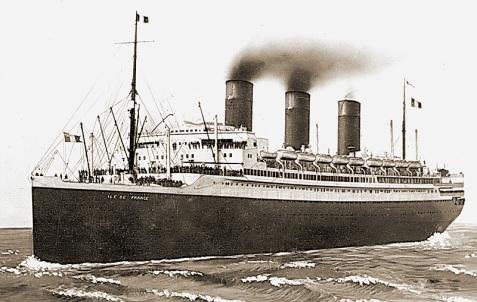 SS Ile de France, photographed circa 1935