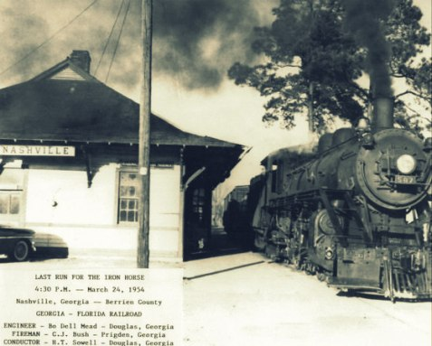 Engine of the Georgia & Florida Railroad at Nashville, GA, March 24, 1954. Image courtesy of http://berriencountyga.com/