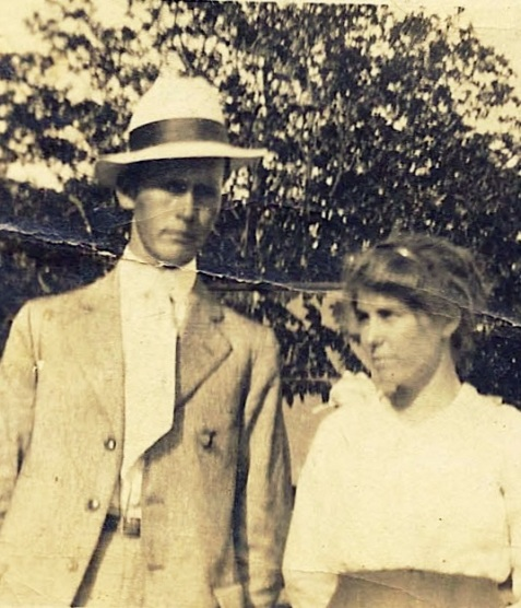 Lester Griffin and Mary Elizabeth Griffin.  Image detail courtesy of Alan K. Griffin.