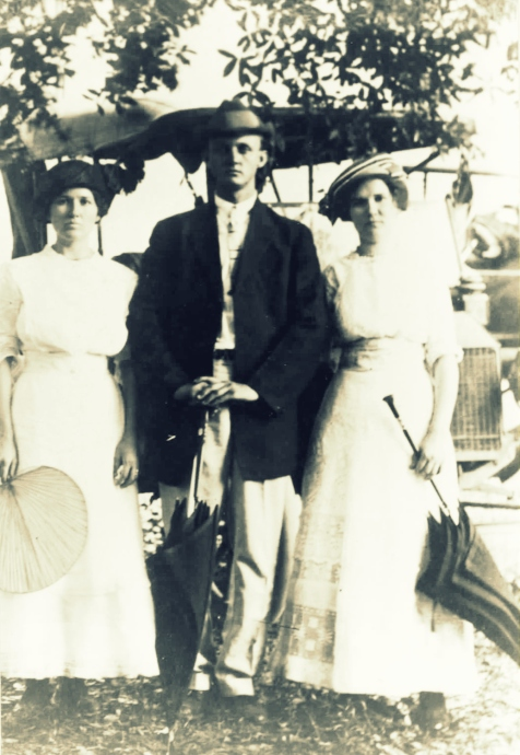 Left to right: Bessie Johnson, Joe Patten, Lillie Johnson Courtesy of Audrey P. Folsom and http://berriencountyga.com/