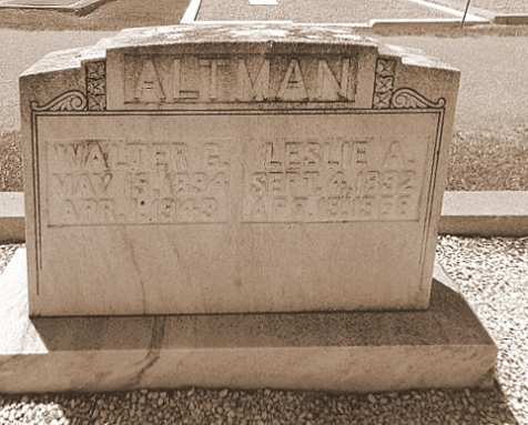 Graves of Walter G. Altman and Leslie A. Altman, Beaver Dam Cemetery, Ray City, GA
