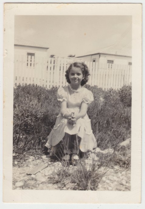 Juanita King, daughter of Ulmer and Mabel King, lived in Ray City, GA as a young girl.