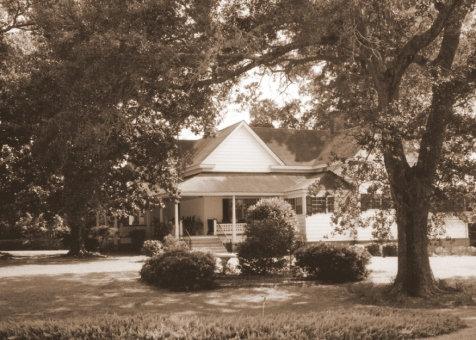 Eliza Allen and Sovin J. Knight lived in this home at Barney, GA in 1911.  Photographed in 1998.  Image courtesy of Bryan Shaw and the Berrien Historical Foundation www.berriencountyga.com
