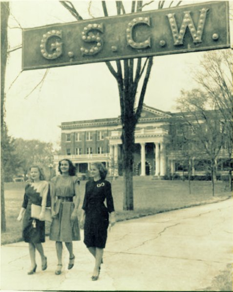 Students in front of the GSWC Administration Building, 1946