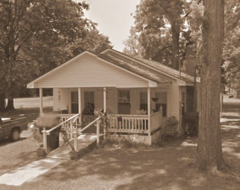In 1950, Arren and Verdie Futch were living in this home on Jones Street, Ray City, GA, with their son, Rossie Futch, his wife, Lessie Guthrie Futch, and step-son, David Miley.