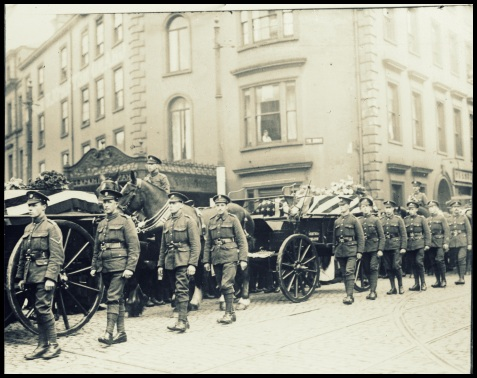 British soldiers escorting American flag draped coffins http://hdl.loc.gov/loc.pnp/anrc.01511a