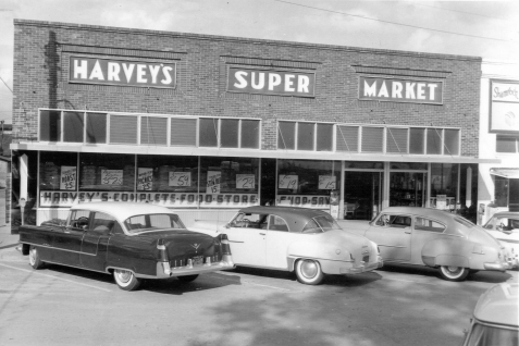 Harveys Supermarket, Nashville, GA. Image courtesy of www.berriencountyga.org