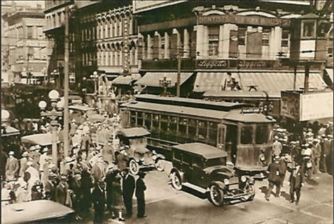 When the U.S. declared war on Germany in 1917, the Army Recruiting Station for white men was above Liggett's Drug Store at Five Points, Atlanta, photographed here circa 1922.